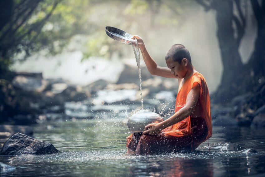 chłopiec mnich
